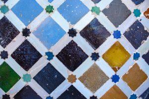AZULEJO - ESPAÑA - MUJER Y VIAJERA - VIAJAR SOLA - VIAJES PARA MUJERES