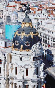 MADRID - ESPAÑA - MUJER Y VIAJERA - VIAJAR SOLA - VIAJES PARA MUJERES